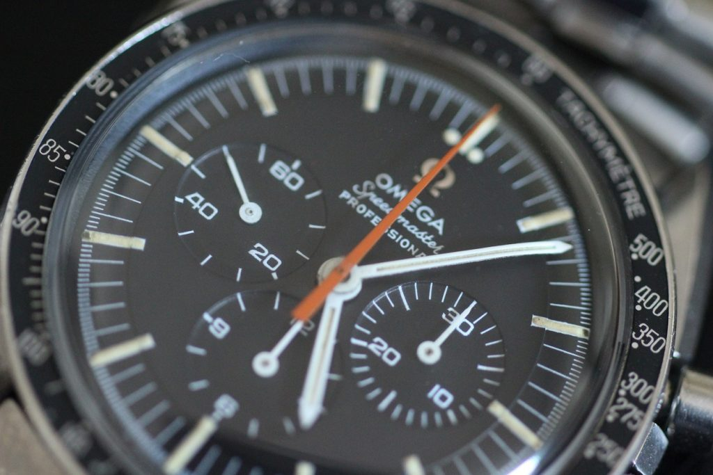 Replique-Omega-Speedmaster-@