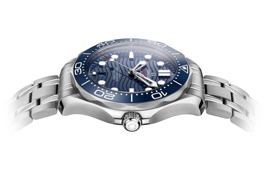 Replique-Omega-seamaster-professionnel-plongeur-300m-42mm-montre-11